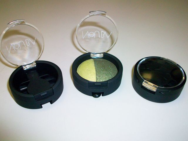 Make-up container